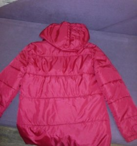 Куртка весенняя для девочки.10-12 лет