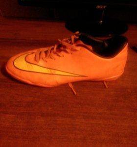 Футзальная футбольная обувь
