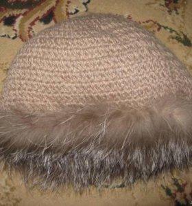 Вязаная шапка из песца