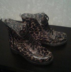Резиновые  ботинки на шнуровке