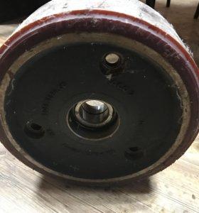 Колесо для техники производителя Jungheinrich