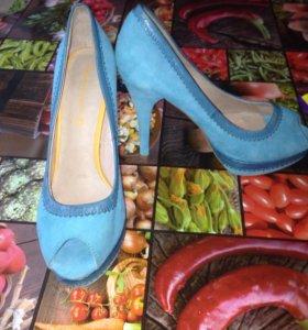 Туфли на каблуке Roberto Santi