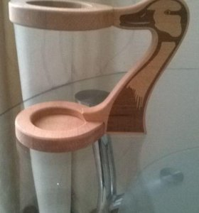 Деревянная подставка для пивного бокала