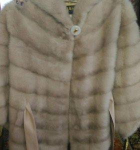 Пальто из натурального меха норка