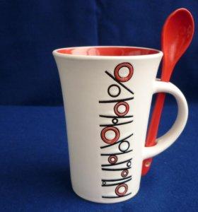 Чашка -Бокал с ложкой.300мл. Новая.