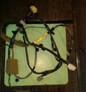 Проводка в двери багажника на Сузуки Гранд Витара