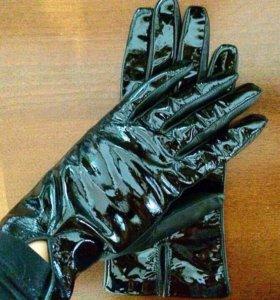 Перчатки из натуральной кожи