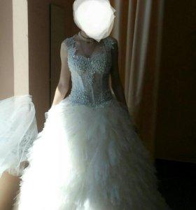 Продам очень красивое свадебное платье, новое