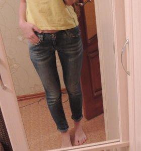 джинсы зауженные  42-44