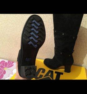 Черные замшевые женские сапоги CAT