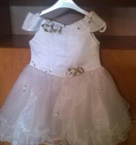 Платье на девочку 3-4лет