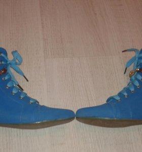 Обувь б/у обувались 1 раз