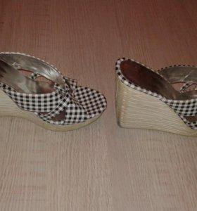 Обувь б/у обувались один раз