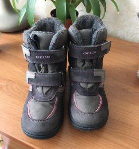 Мембранные ботинки Geox для девочки 29 размер