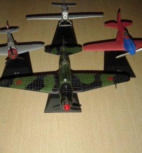 Модели самолетов 4 шт