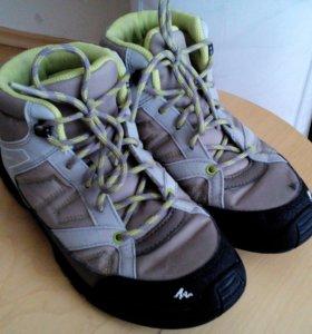 Кроссовки ботинки Quechua 37 размер