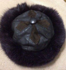 Женская зимняя шапка с песцом