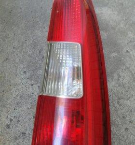 Правый верхний фонарь для Volvo xc70 01-06