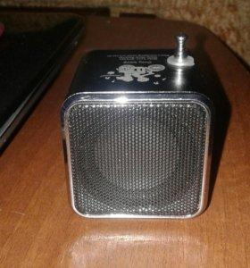 Колонка музыкальная (с коробкой и зарядником)