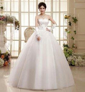 Свадебное платье. Новое. Размер 42-46