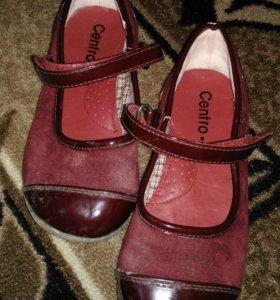 Продаются туфельки на девочку 29 размер