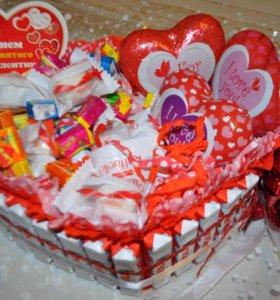 Букеты и корзины из конфет и чая