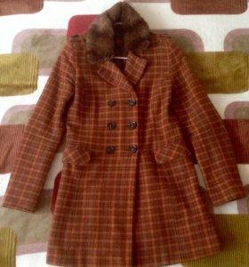 Шерстяное пальто Hallhuber