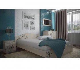 Кровать цветы крем новая