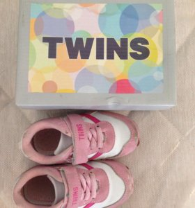 Кроссовки Twins