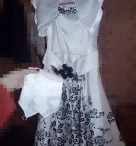 Пышное платье с балеро  и перчатками