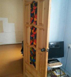 Продаются лакированные двери из дерева