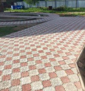 Брусчатка, тротуарная плитка, бордюры.