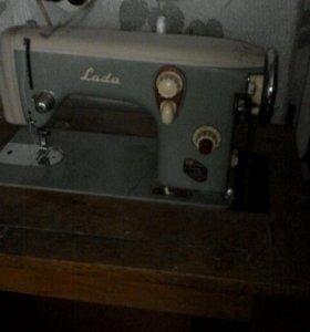 Швейная машина ножная Лада Чехия