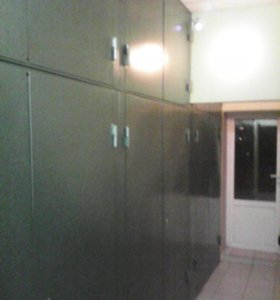 Металлические двери, тамбурные перегородки.