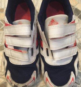 Кроссовки Adidas, р.33-34
