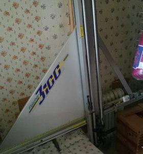 Станок для вертикальной резки стекла, двп и картон