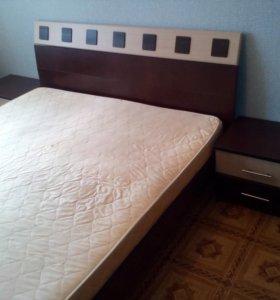 Продам кровать с тумбочками