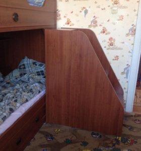 Кровать , шкаф