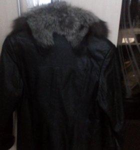 Кожаная куртка с песцом