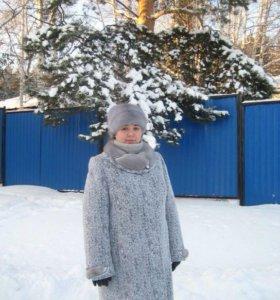 Зимнее пальто и шапка из голубой норки.