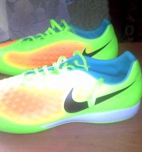 Кроссовки для футбола в зале