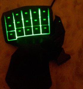 Игровая клавиатура Razer Tartarus