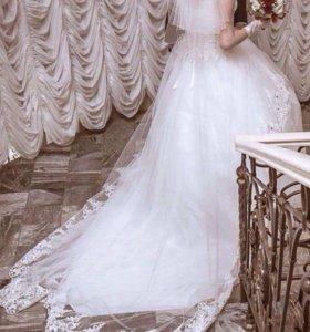 Срочно!Красивое свадебное платье со шлейфом 💃🏻