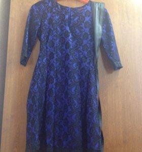 Платье синее с гипюром