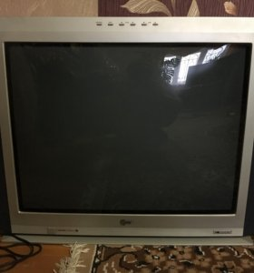 Телевизор LG диаг. 72 см