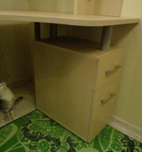 Компьютерный, письменный стол!)