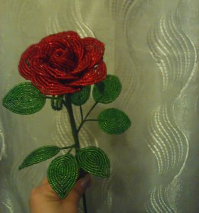 Роза из бисера.В наличии и на заказ.