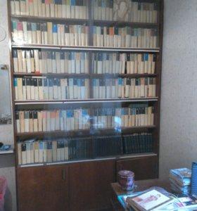 Книжный шкаф- стеллаж, застекленный, б/у