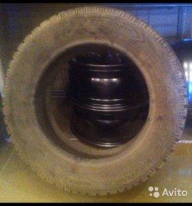 Зимние шины 215/60/r16