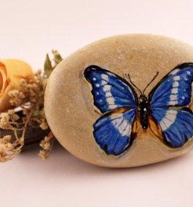 """Расписной камень """"Бабочка"""""""